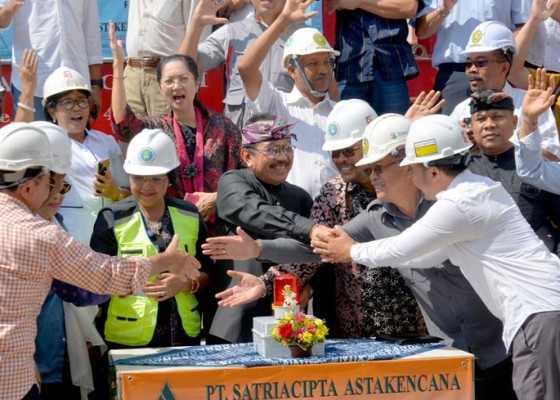 Nusabali.com - wagub-cok-ace-apresiasi-pembangunan-gedung-alumni-ft-unud