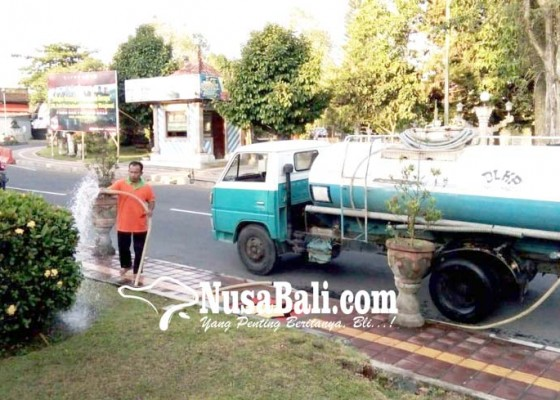 Nusabali.com - dlh-terima-banyak-permintaan-penyiraman