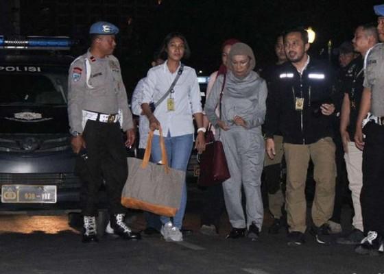 Nusabali.com - ratna-sarumpaet-ditangkap-di-bandara