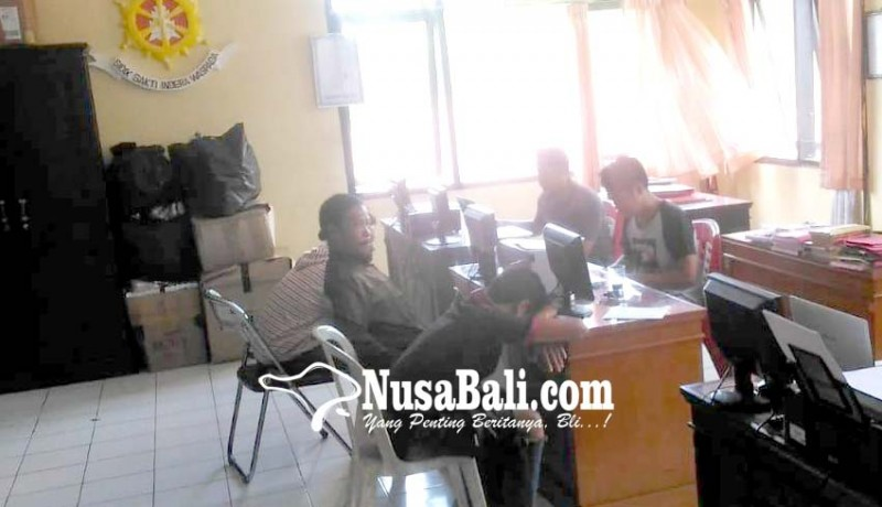 www.nusabali.com-masalah-cewek-anggota-group-reggae-dianiaya