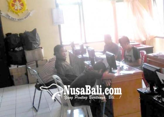 Nusabali.com - masalah-cewek-anggota-group-reggae-dianiaya