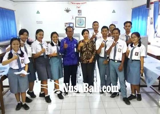 Nusabali.com - adopsi-pemilu-blasman-pilih-ketua-osis