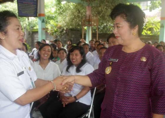 Nusabali.com - insentif-guru-tk-naik-100-persen