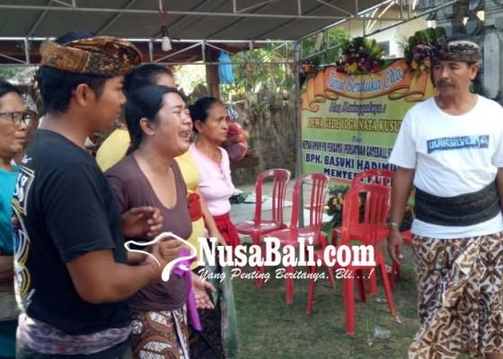 Nusabali.com - abu-jenazah-atlet-disambut-isak-tangis