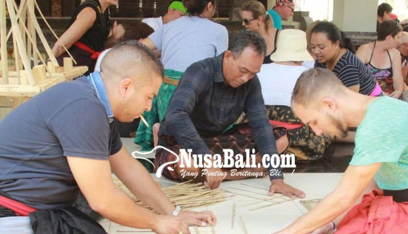 www.nusabali.com-ngelawar-dijadikan-daya-tarik-wisata
