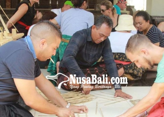 Nusabali.com - ngelawar-dijadikan-daya-tarik-wisata