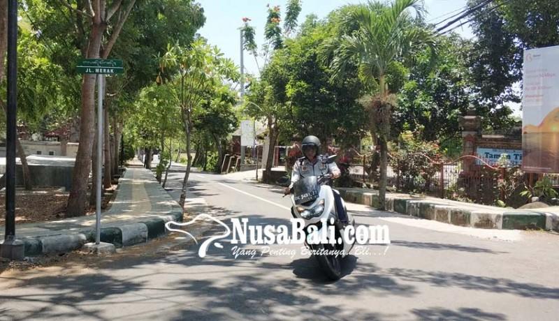 www.nusabali.com-papan-nama-jalan-gunakan-aksara-bali-mulai-terpasang-di-sekitar-civic-center