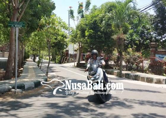 Nusabali.com - papan-nama-jalan-gunakan-aksara-bali-mulai-terpasang-di-sekitar-civic-center