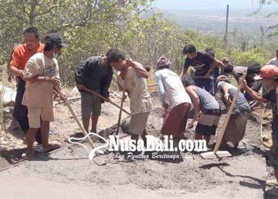 Nusabali.com - betonisasi-jalan-desa-di-tiga-banjar