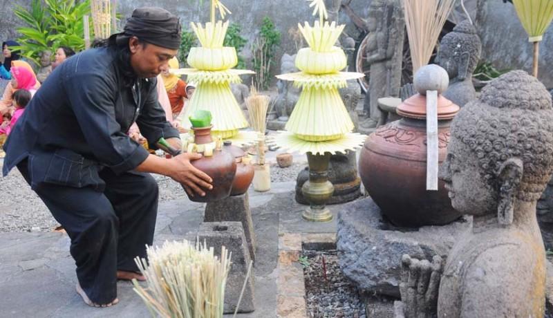 www.nusabali.com-ritual-manten-bagus-tirto-dan-siti-pertiwi