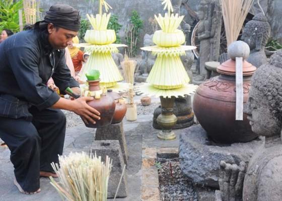 Nusabali.com - ritual-manten-bagus-tirto-dan-siti-pertiwi