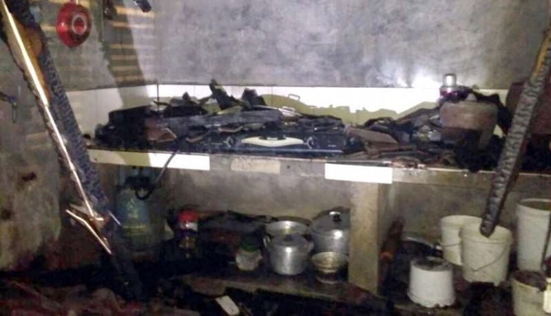 www.nusabali.com-dapur-ludes-terbakar-kerugian-rp-150-juta