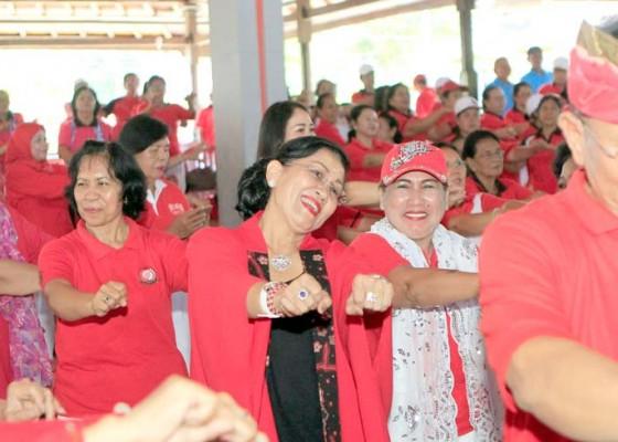Nusabali.com - ratusan-lansia-bergembira-bersama