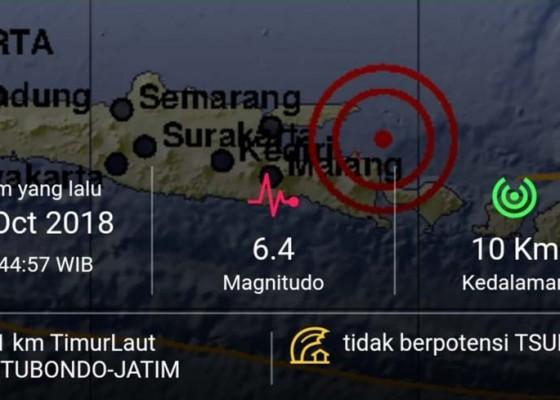 Nusabali.com - breaking-news-3-orang-meninggal-dunia-akibat-gempa-bumi-m64-yang-mengguncang-jawa-timur-dan-bali