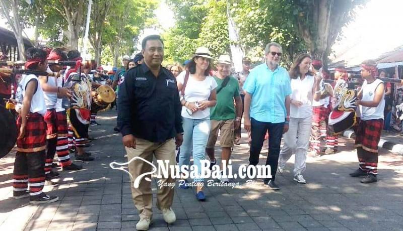 www.nusabali.com-delegasi-imf-disambut-okokan-disuguhi-jaja-laklak-dan-klepon