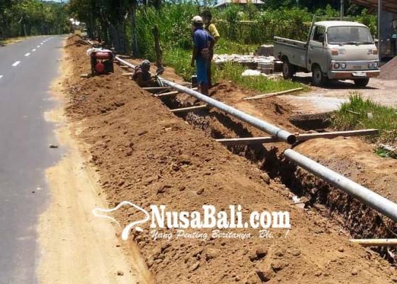 Nusabali.com - pemasangan-pipa-di-palaktiying-diistirahatkan