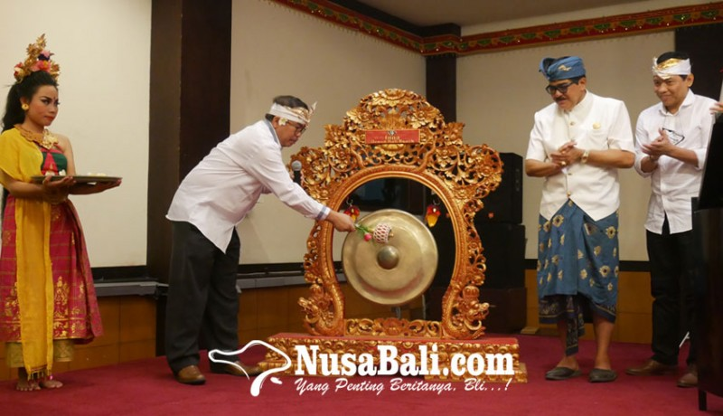 www.nusabali.com-pertama-kalinya-bekraf-gelar-program-sertifikasi-untuk-pengerajin-ukir-di-bali