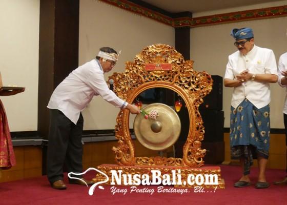 Nusabali.com - pertama-kalinya-bekraf-gelar-program-sertifikasi-untuk-pengerajin-ukir-di-bali