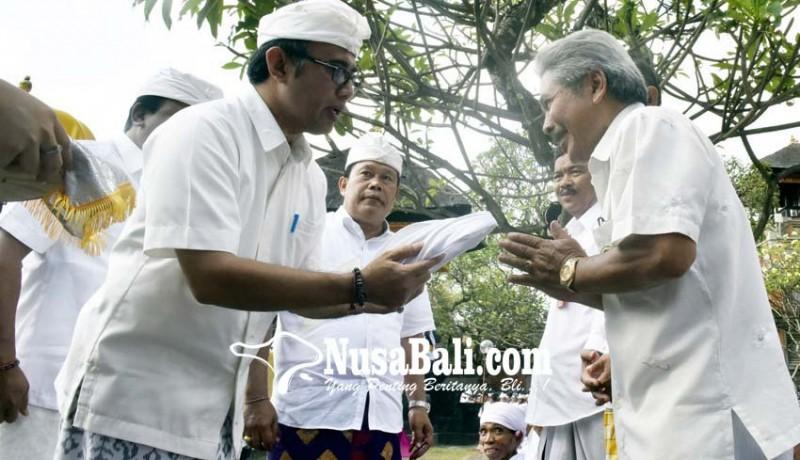 www.nusabali.com-pemkot-launching-berbusana-dan-berbahasa-bali-di-pura-jagatnatha