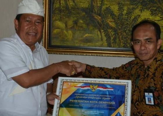 Nusabali.com - pemkot-denpasar-raih-penghargaan-kementerian-keuangan-ri