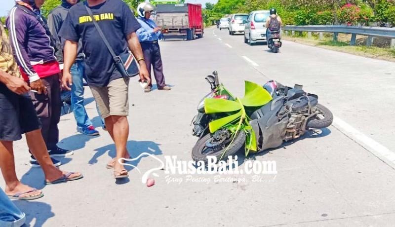 www.nusabali.com-tabrak-pantat-truk-pemotor-tewas