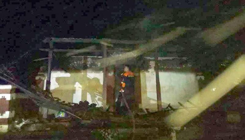 www.nusabali.com-lalai-rumah-terbakar