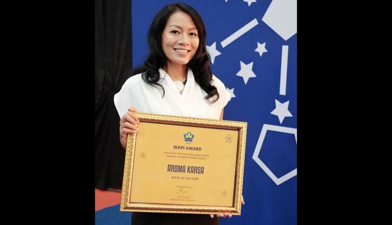 www.nusabali.com-aroma-karsa-was-awarded-as-book-of-the-year-on-ikapi-awards-2018