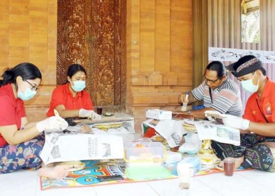 Nusabali.com - konservasi-lontar-jelang-saraswati