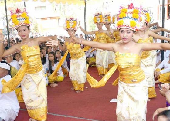 Nusabali.com - tari-rejang-dewa-saat-saraswati