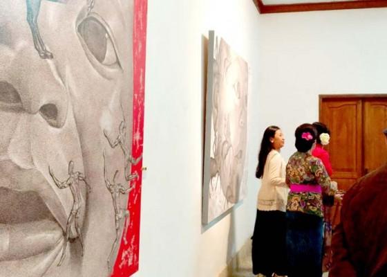 Nusabali.com - kun-pamerkan-titi-wangsa-di-museum-neka