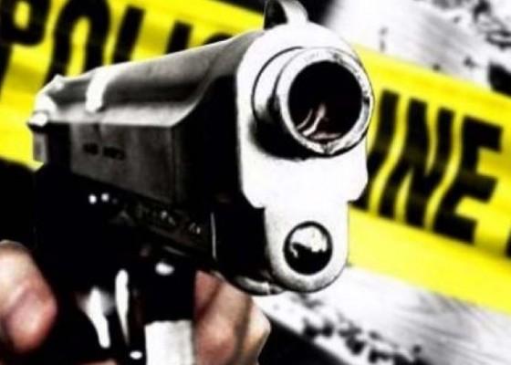 Nusabali.com - pengendara-mobil-ditembak