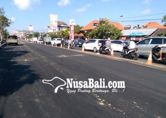 Nusabali.com - jalan-di-atas-tukad-teba-mulai-diaspal