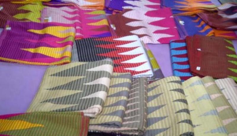 www.nusabali.com-pebisnis-baju-adat-laris-manis