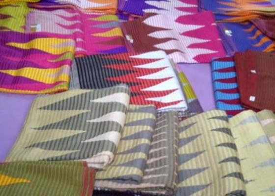 Nusabali.com - pebisnis-baju-adat-laris-manis