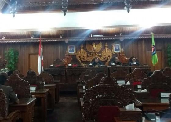 Nusabali.com - dprd-gelar-rapat-paripurna-nota-pengantar-rapbd-klungkung-2019