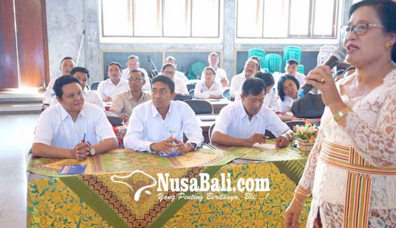 www.nusabali.com-diskominfo-hindari-rapat-hari-kamis