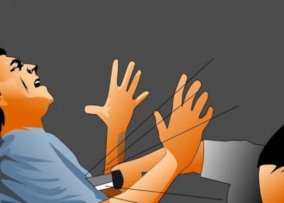 Nusabali.com - ditikam-orang-mabuk-abk-nyaris-tewas