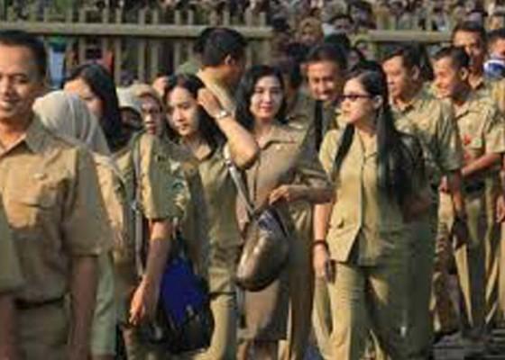 Nusabali.com - 36-juta-pelamar-siap-bersaing-jadi-pns
