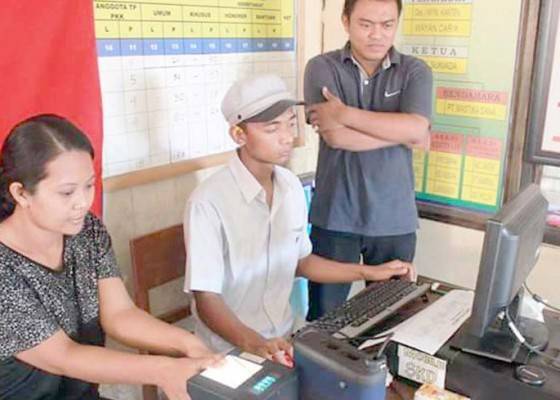 Nusabali.com - data-kependudukan-25000-warga-terancam-di-off-kan