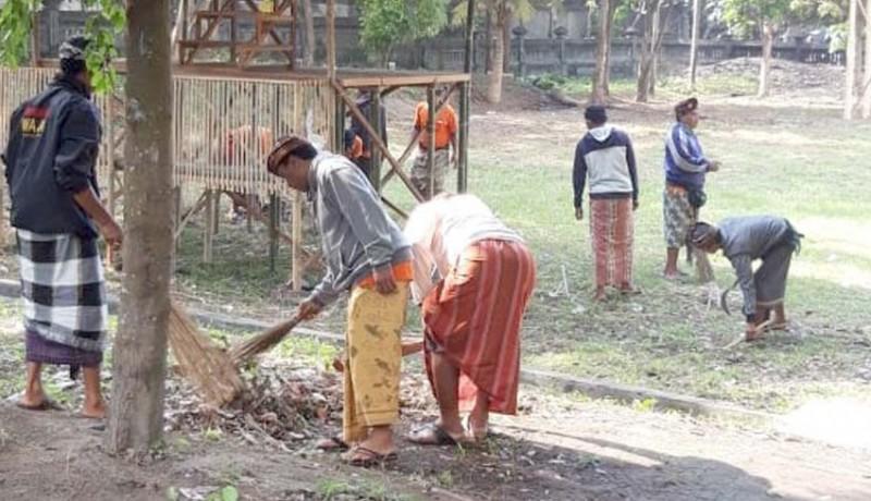 www.nusabali.com-dlh-bangli-dan-klungkung-bersihkan-segara-watu-klotok