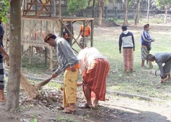 Nusabali.com - dlh-bangli-dan-klungkung-bersihkan-segara-watu-klotok
