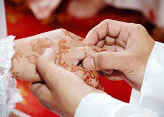 Nusabali.com - wanita-100-tahun-nikahi-pria-74-tahun