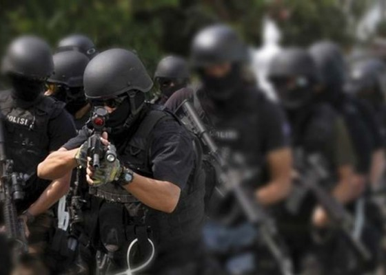 Nusabali.com - dua-terduga-teroris-tewas-ditembak