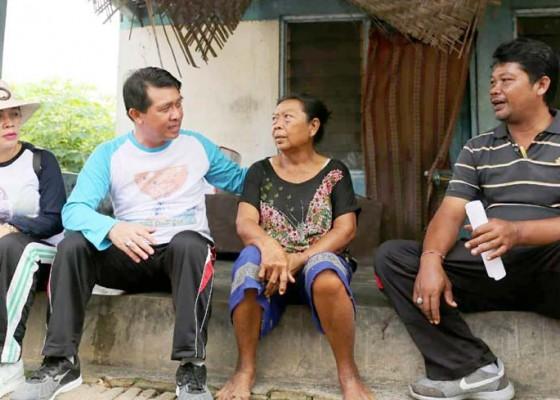 Nusabali.com - bupati-suwirta-bedah-dua-desa-di-banjarangkan