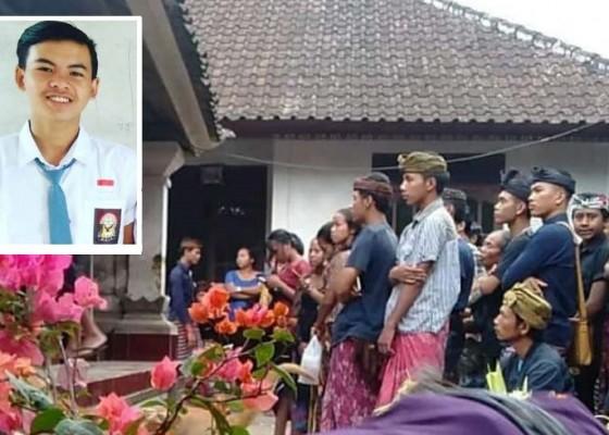 Nusabali.com - siswa-smk-tewas-senggol-truk-seusai-nonton-konser