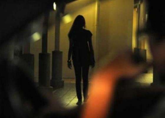 Nusabali.com - gasak-uang-kekasih-wanita-ditangkap-polisi