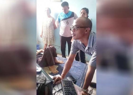 Nusabali.com - disdukcapil-sasar-warga-sakit-untuk-rekam-data-ktp-elektronik