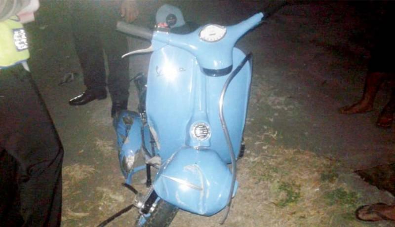 www.nusabali.com-adu-jangkrik-lawan-truk-pengendara-skuter-tewas