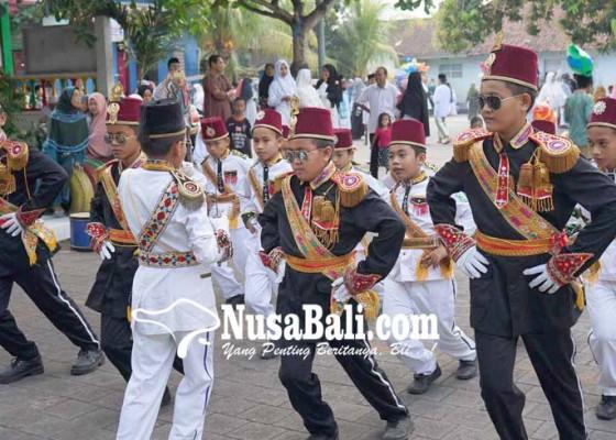 Nusabali.com - pawai-budaya-meriahkan-hari-santri