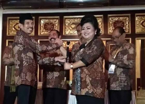 Nusabali.com - bupati-mas-sumatri-jadi-perempuan-pertama-pimpin-jkpi